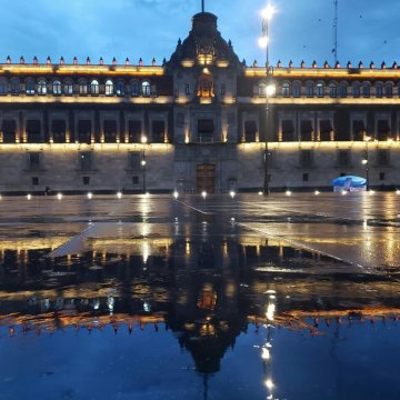 AMLO y su familia ya viven en Palacio Nacional