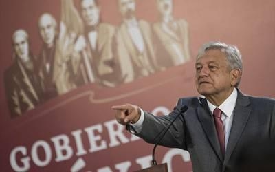 Por Covid-19, AMLO congelará salarios de altos funcionarios