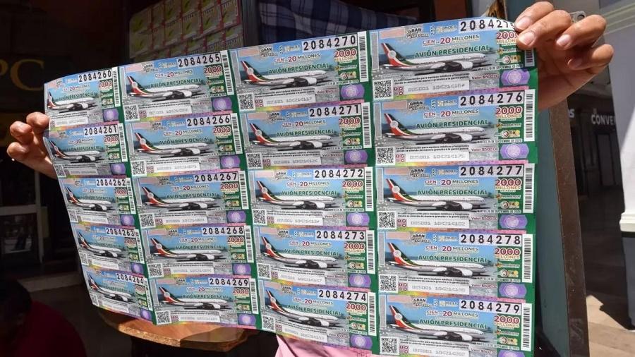 Comenzó la venta de «cachitos» para rifa del avión presidencial