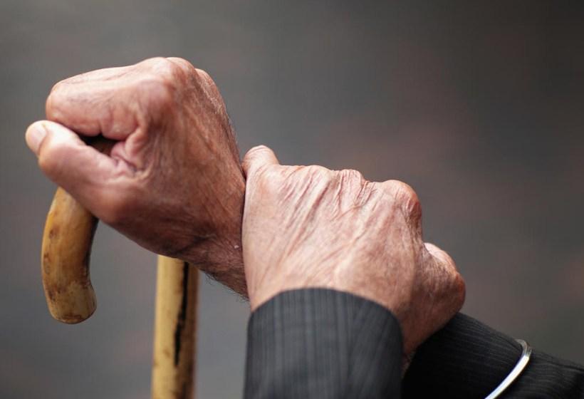 Aislamiento domiciliario se aplicará de forma estricta a adultos mayores