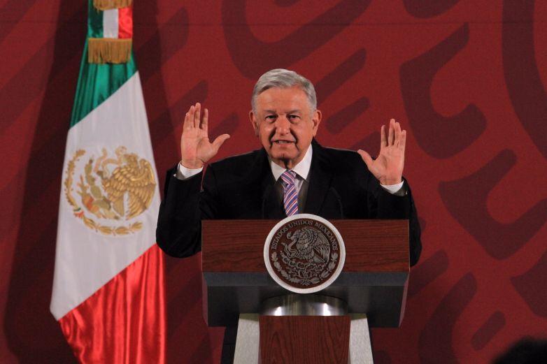 No se deben entregar becas a quienes no estudian: López Obrador