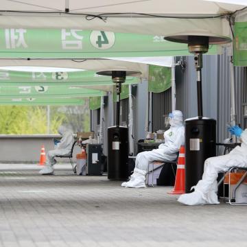Van más de 355 mil muertos por coronavirus en el mundo