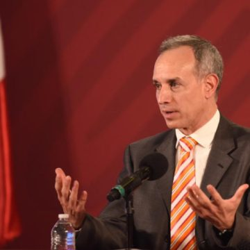 """La epidemia de covid-19 está """"en su máximo nivel"""", dice López-Gatell"""