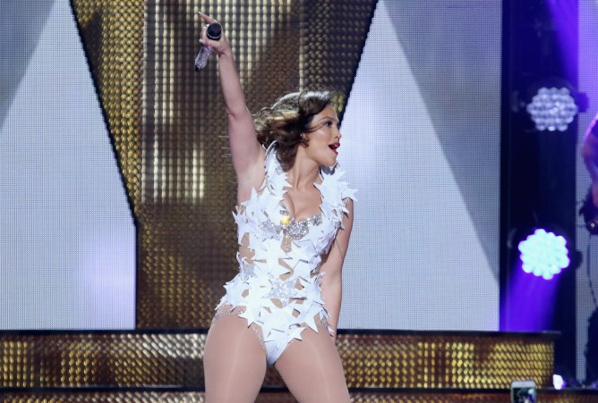JLo performs onstage at iHeartRadio Fiesta Latina presented by Sprint at American Airlines Arena on November 7, 2015 in Miami, Florida.
