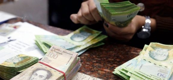 22pago-en-bolivares-dinero-990x460