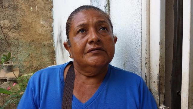 La madre de la occisa informa que debido a la falta de tratamiento su hija perecio.