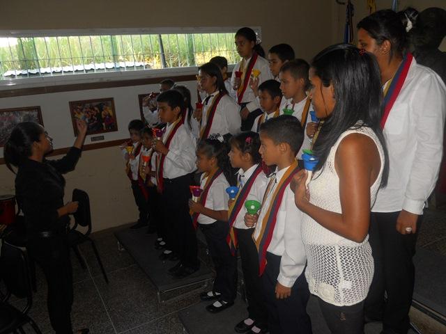 : Ensamble de Campanas de Colores Programa Educación Especial