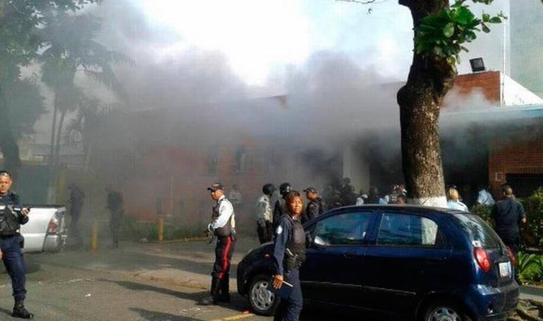 El incendio al parecer fue provocado por los mismos funcionarios para evitar una fuga masiva