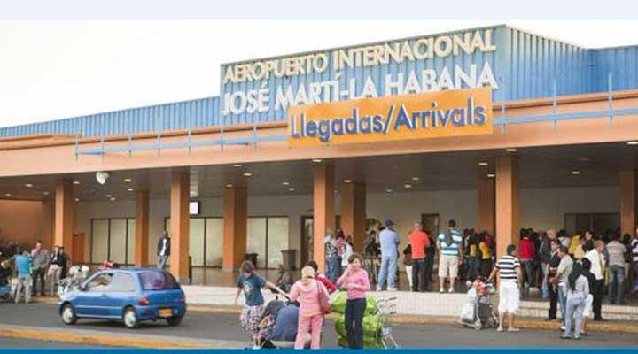 La avión salio del aeropuerto Jose Marti de La Habana en Cuba