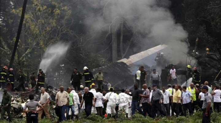 Al lugar del accidente se presentaron múltiple personal de rescate y medico.