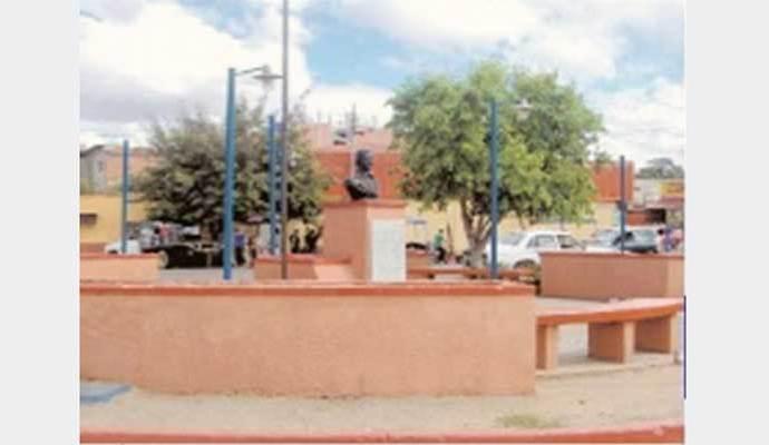 Plaza del terminal de Valle de la Pascua, sector La Vigía.