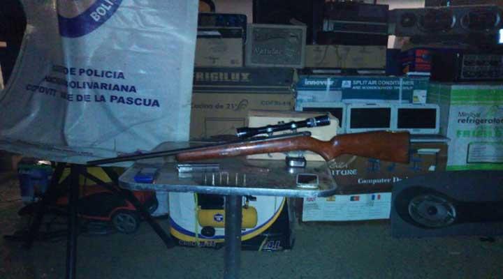 Arma de fuego, municiones, artefactos eléctricos y comida fue recuperado en una vivienda del sector La Trinidad.