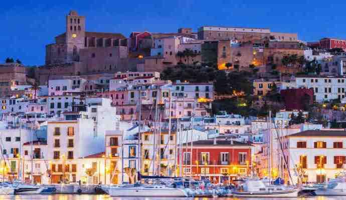 Si tu placer es viajar visita Ibiza