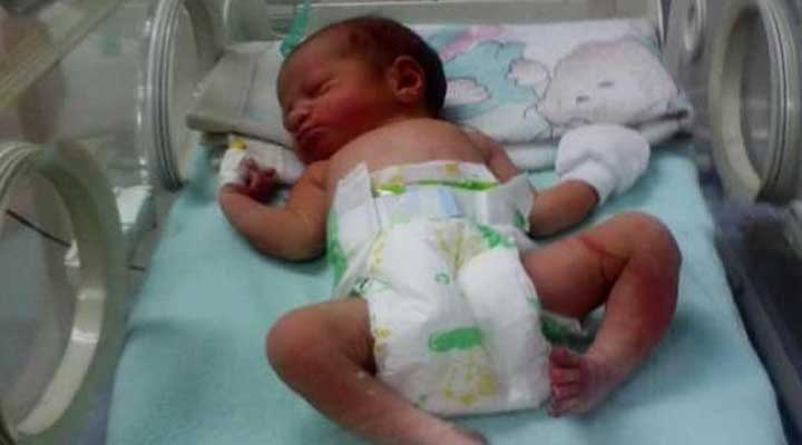 La bebe se encuentra en buen estado de salud.