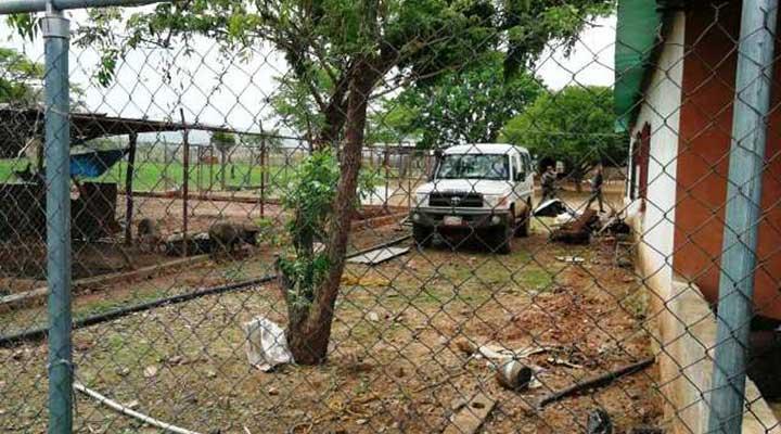 Uno de los vehiculos perteneciente a la empresa estadal Corpoelec fue localizado en la finca Uverito.