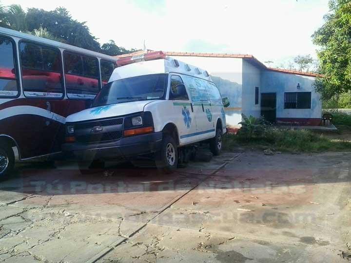 Las unidades ambulancia de los Bomberos de Infante se encuentran paralizadas.