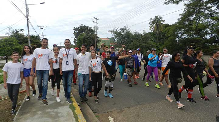 Caminata Mega Latina 7 aniversario (15)