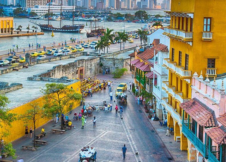 Cartagena de Indias, alegre y renovada