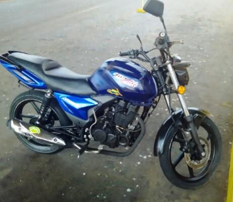 Motocicleta de la victima.