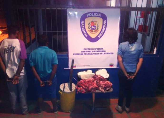 Los apresados con carne y queso robado en una finca del sector Mahomo