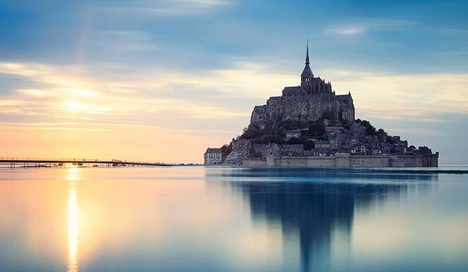 Mont-Saint-Michael convertido en isla