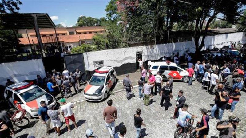 Este es el escenario de la escuela en Brasil donde sucedió el tiroteo.