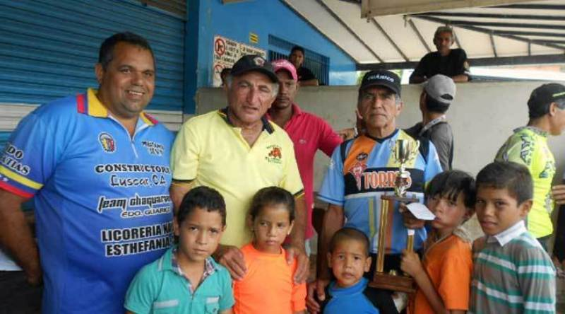 El campeon nacional Ramon Rodr_guez result_ m_ximo triunfador en la carrera del a_o pasado.jpg