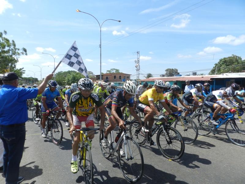 Largada en Clasico de Ciclismo Esteban Castillo de Chaguaramas 2019 5 de mayo (6)