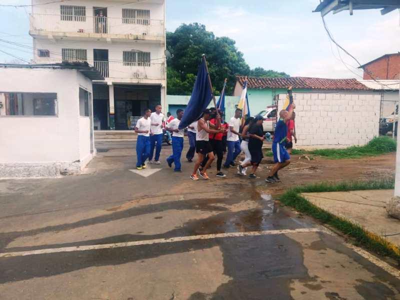 01-La antorcha llegó hasta la sede del comando policial