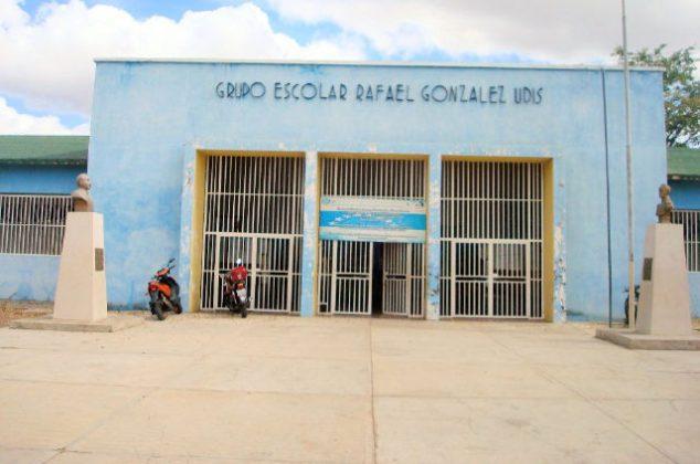 Escuela Rafael Gonzalez Udis en Valle de la Pascua sigue a la espera de la reparación prometida por Maduro.