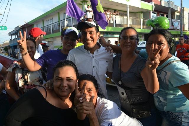 Carlos Alberto Silvera ,barrió  en Galapa y es el nuevo alcalde de ese municipio