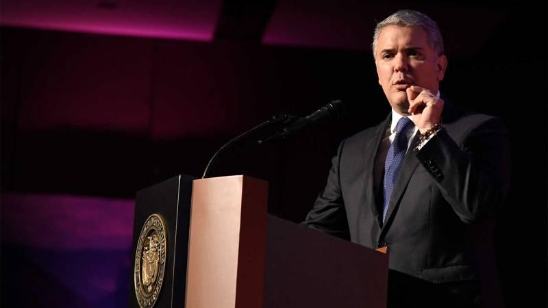 """Es inaceptable que un criminal que sale amenazando al pueblo colombiano con un fusil """"pretenda seguir con la condición de aforado"""": Presidente Duque"""