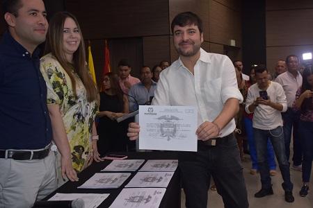 Jaime Pumarejo recibe credencial como Alcalde electo de Barranquilla