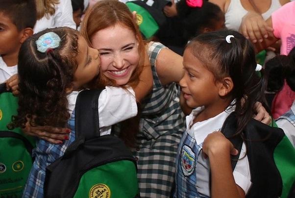 Niños del Distrito reciben kits con mensajes de cultura ciudadana