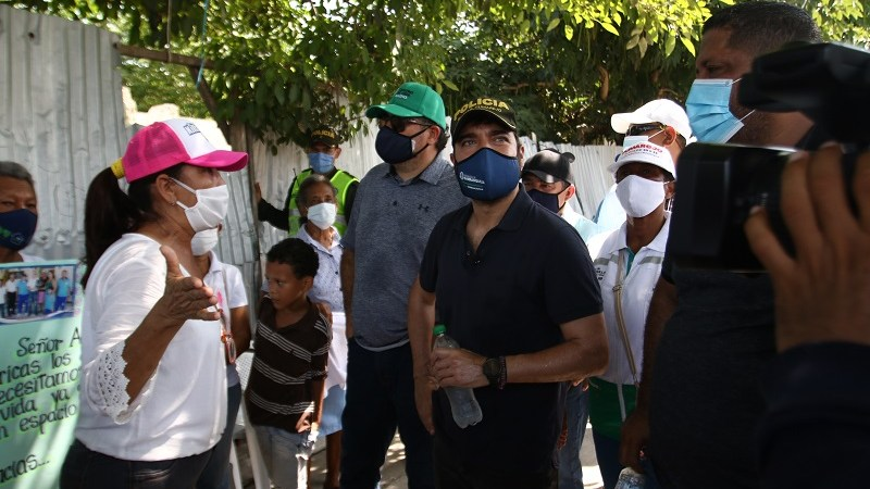 Nuevas vías y parques, centro de vida y normalización eléctrica, compromisos del alcalde Pumarejo en el barrio Las Américas