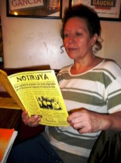 Aurora, leyendo NOTIRUYA