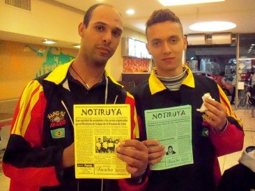 Elton y Wallace, de San Pablo (Brasil), del equipo que participó en el IV Campeonato Mundial Abierto de Artes Marciales, en Moreno (Buenos Aires), con NOTIRUYA