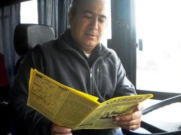 Leo, chofer y dueño en Empresa R. Maidana, ómnibus que hace el recorrido Sacti Spiritu - San Eduardo - Venado Tuerto (Santa Fe). Con NOTIRUYA