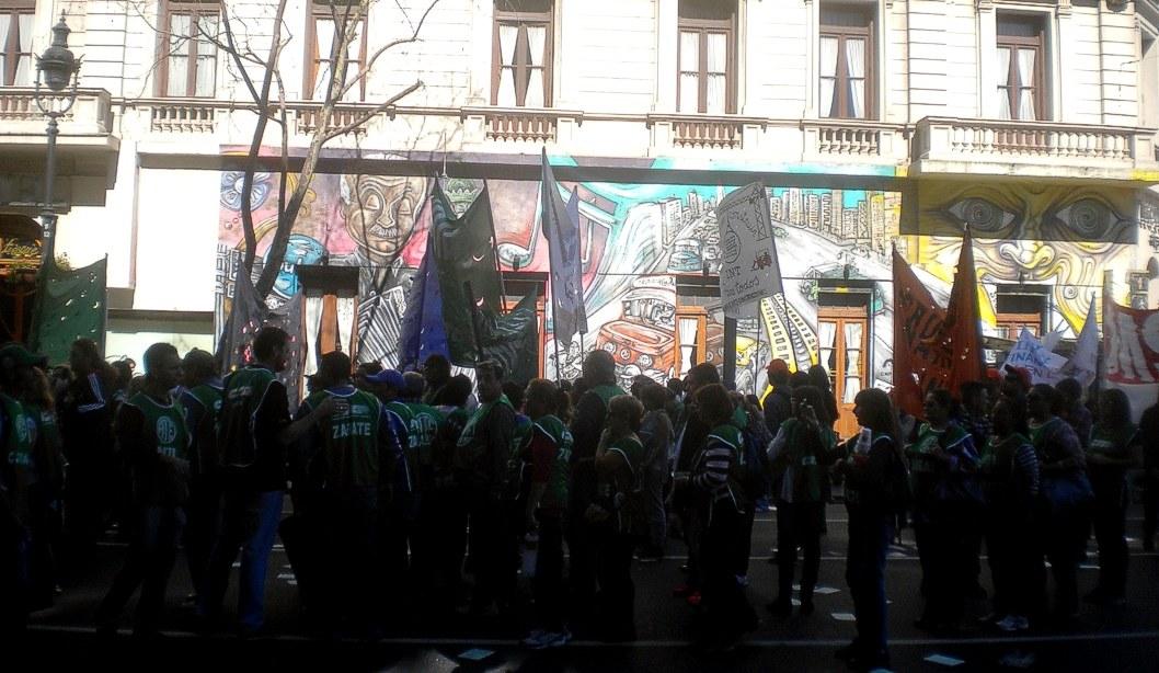 Avenida de Mayo y 9 de Julio, antes de la marcha