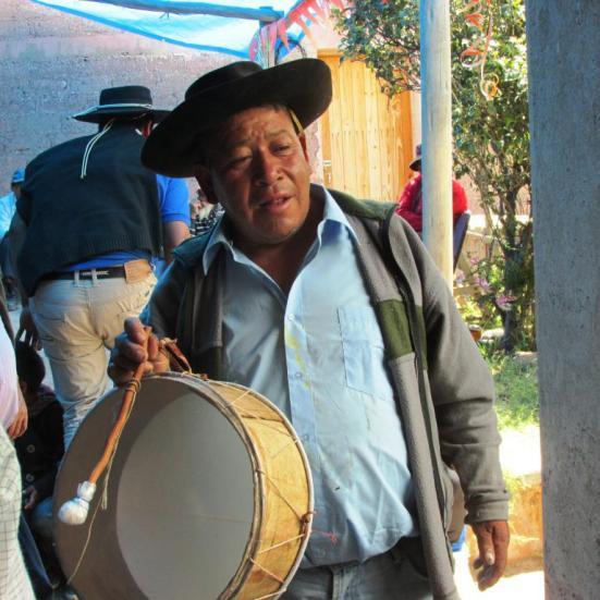 Pesao Canchi, con su caja.