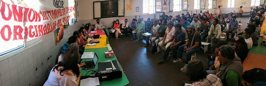 Asamblea en Salta, luego de la marcha de comunidades originarias.