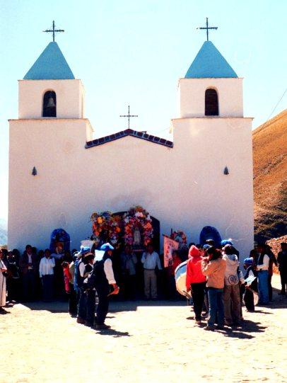 Iglesia de Pueblo Viejo. En celebración.