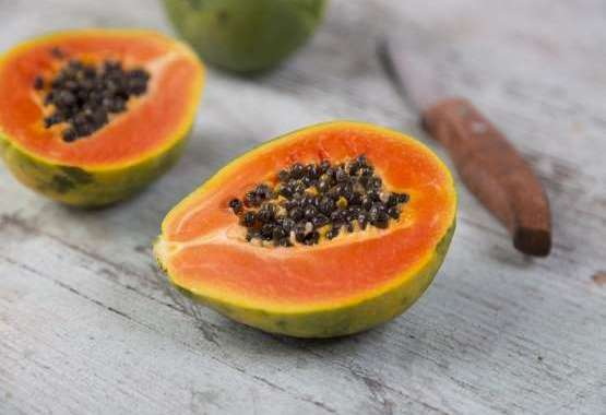10 razones de salud para comer papaya o lechosa