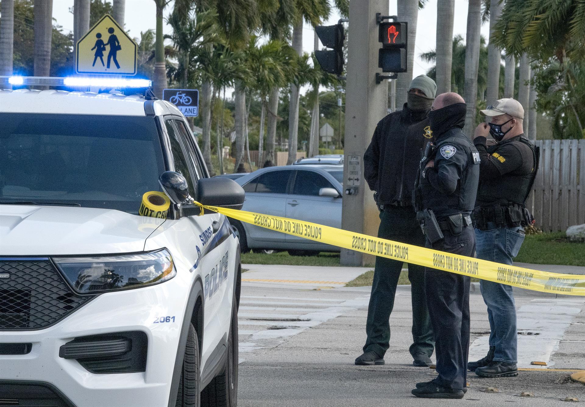 Cuatro personas, entre ellas un bebé, mueren en tiroteo en Florida