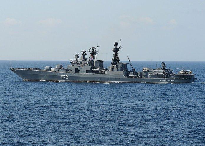 Navi da guerra russe nel canale della Manica