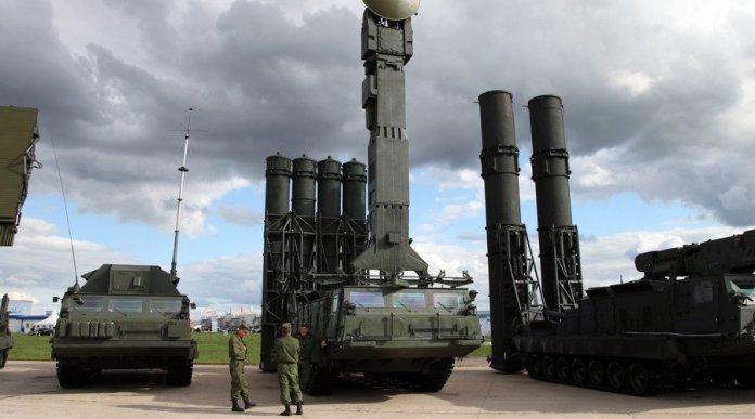 missili-da-difesa-russi-a-tartus.