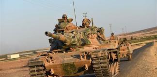 L'esercito della Turchia entra in Siria