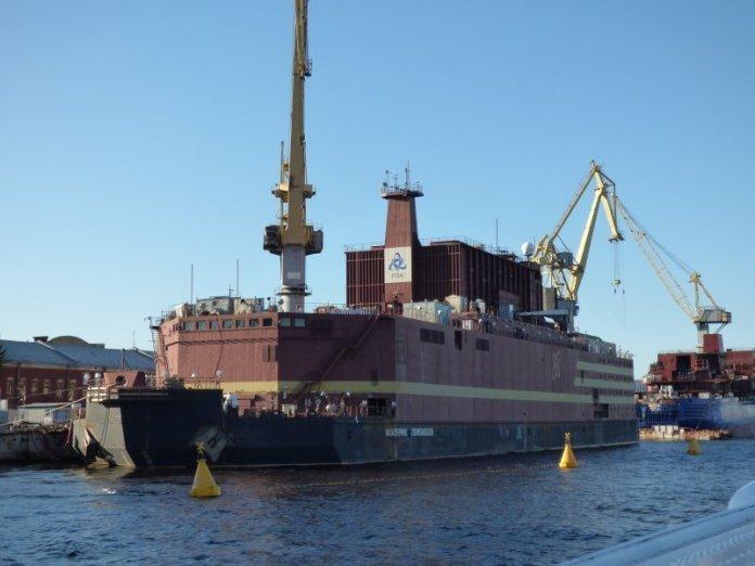 Russia vara nave centrale nucleare galleggiante