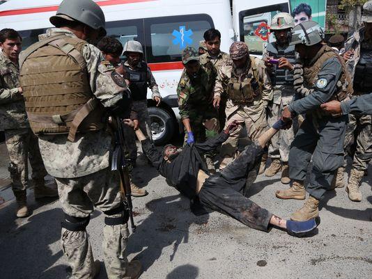 Isis e Talebani attaccano in simultanea Kabul