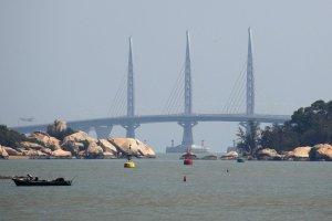 Hong Kong inaugura il ponte sul mare più lungo del mondo